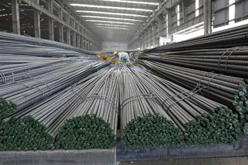 Sản lượng thép xây dựng Hòa Phát đạt hơn 200.000 tấn trong tháng 2