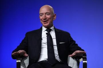 Tài sản của Jeff Bezos đủ mua bao nhiêu căn nhà tại Mỹ?