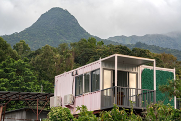 Người Hong Kong ở nhà container trái phép vì bất động sản đắt đỏ