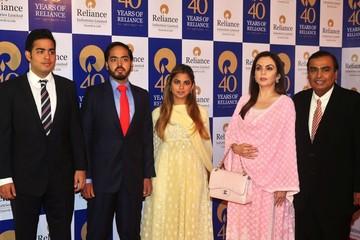 Gia đình Ấn Độ mời CEO Google, Hoa hậu Thế giới đến dự tiệc cưới giàu có và quyền lực cỡ nào?