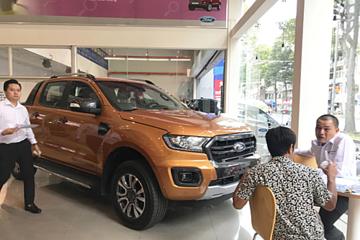 Khách Việt tăng mua xe bán tải, né phí trước bạ sắp tăng
