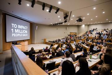 Top 10 trường kinh doanh của Mỹ 2019: Harvard không phải là số 1