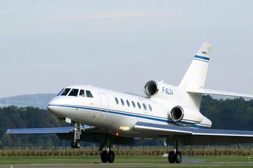 'Soi' máy bay của những người giàu nhất thế giới