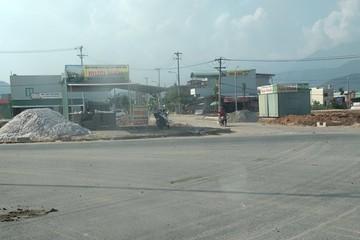 Đà Nẵng yêu cầu tháo hết các container, kiot bán đất trái phép