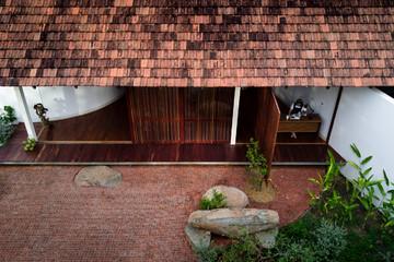 Nhà mái ngói lạ mắt ở Đắk Lắk