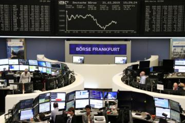 Dow Jones mất 460 điểm, chứng khoán toàn cầu đồng loạt giảm