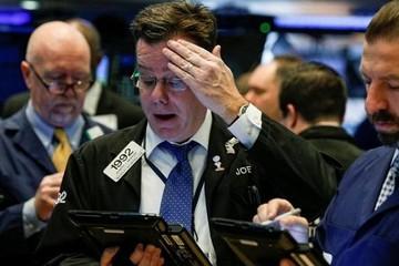 Dow Jones rớt 460 điểm, các chuyên gia chứng khoán Mỹ nói gì?