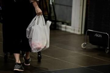 Nhật Bản và khả năng kết thúc 'cuộc tình' với nhựa