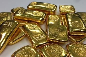 Nhu cầu với tài sản an toàn tăng, giá vàng chạm đỉnh hơn 3 tuần