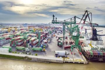 Xuất nhập khẩu hàng hóa cán mốc 100 tỷ USD