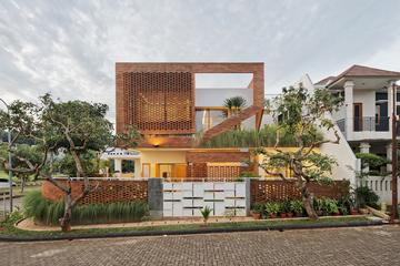 Ngôi nhà gạch 'khiêm tốn và ấm áp' tuyệt đẹp ở Indonesia