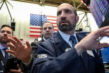 Lợi suất trái phiếu chính phủ Mỹ 10 năm chạm đáy kể từ năm 2017, Phố Wall giảm điểm