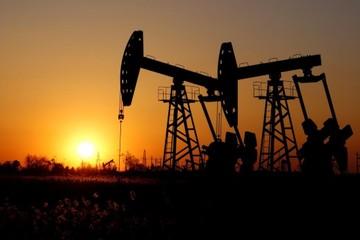Giá dầu tăng 1%, có quý tốt nhất một thập kỷ
