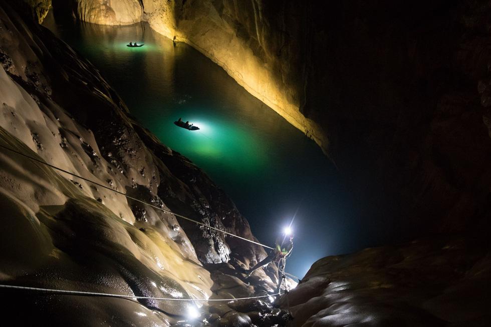 [Đi và trải nghiệm] Lặn tìm con sông 'bỗng nhiên biến mất' trong hang Sơn Đoòng