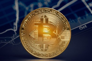 Giá Bitcoin bất ngờ vượt qua ngưỡng 5.000 USD