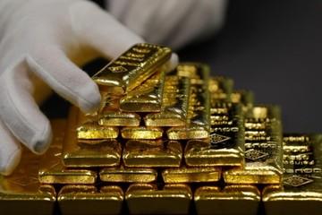 Thị trường chứng khoán đi lên, giá vàng giảm nhẹ
