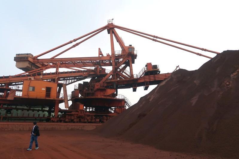 Giá quặng sắt Trung Quốc vượt 100 USD/tấn