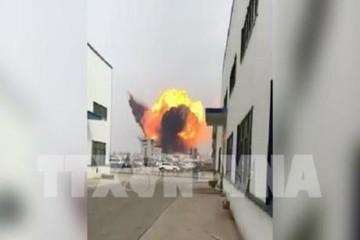 Nổ nhà máy hóa chất của Formosa, hơn 10.000 người phải sơ tán