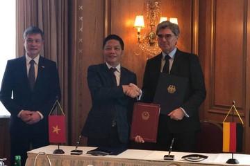 Bộ Công Thương ký khung hợp tác về công nghiệp, năng lượng với Siemens