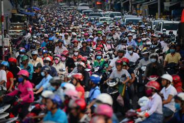 Chủ tịch Hà Nội: Cấm xe máy mới là ý kiến Giám đốc Sở Giao thông