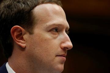 Cổ đông Facebook lại tìm cách 'lật đổ' Mark Zuckerberg