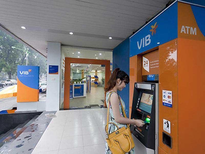 Ngân hàng tung dịch vụ ATM 0 đồng