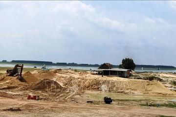 Tạm ngừng khai thác cát trong hồ Dầu Tiếng từ 20/4