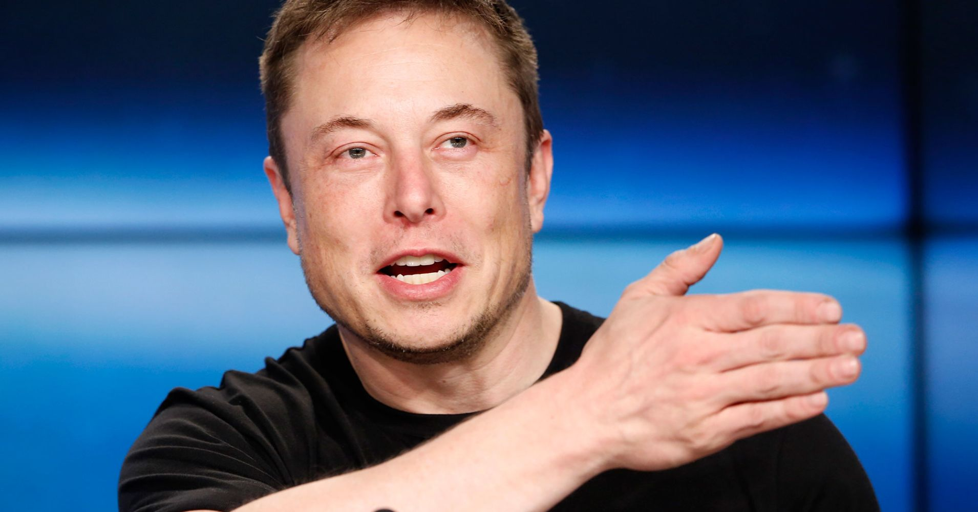 Tesla sẽ triển khai taxi robot trong năm 2020, cạnh tranh với Uber