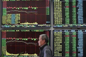 Chứng khoán Trung Quốc giảm mạnh nhất 6 tuần, Hong Kong mất hơn 250 điểm