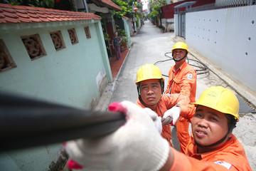 Phó Thủ tướng yêu cầu đánh giá tác động của việc tăng giá điện