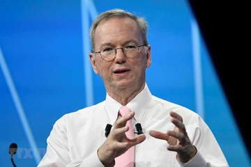 Cựu CEO Google Eric Schmidt chia tay công ty sau 18 năm