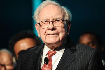 Warren Buffett: Berkshire Hathaway mua cổ phiếu Amazon