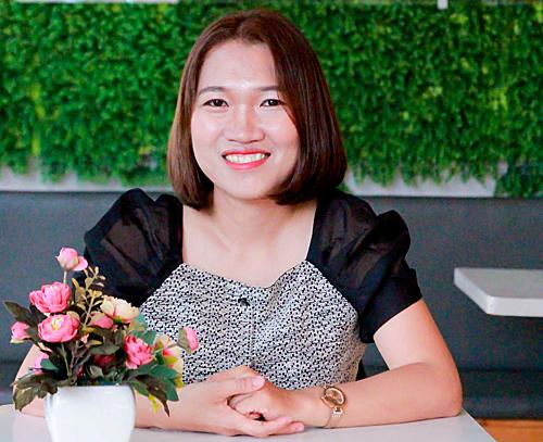 Cô gái nghỉ việc nghìn USD về Việt Nam bán trà sữa
