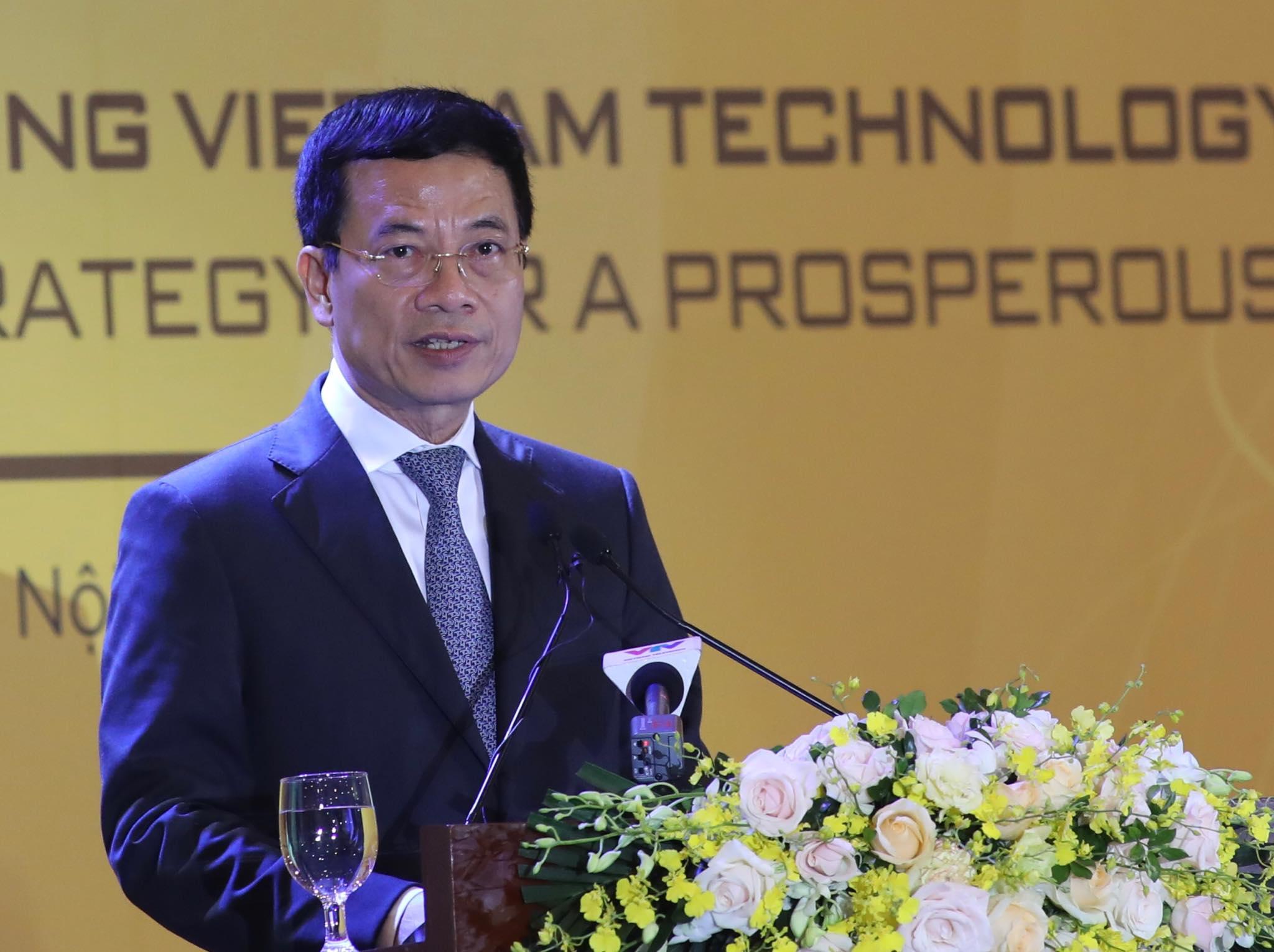 Bộ trưởng Nguyễn Mạnh Hùng: 'Nỏ thần Việt Nam chỉ có thể do người Việt làm ra'