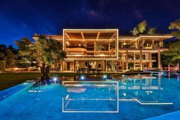 Bên trong biệt thự đang rao bán 88 triệu USD Jeff Bezos từng bí mật tới xem