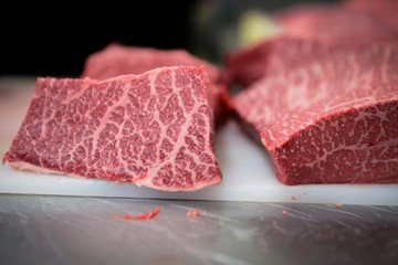 EU hối thúc Nhật Bản bỏ lệnh cấm nhập khẩu thịt bò từ châu Âu