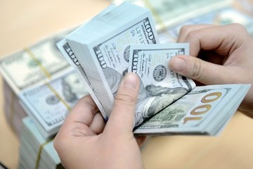 USD trong nước tăng mạnh, nhân dân tệ giảm sâu