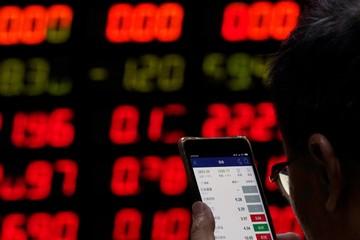 1.100 tỷ USD 'bốc hơi' khỏi chứng khoán toàn cầu kể từ 5/5
