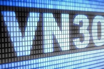 Lợi nhuận của VN30 quý I giảm sau 3 năm tăng trưởng