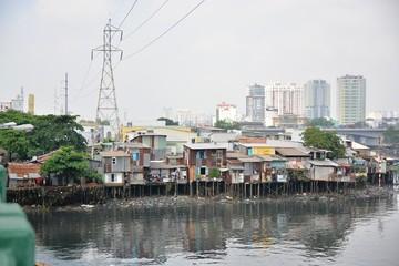 60% nhà ở tại TP HCM vẫn bán kiên cố dù thu nhập bình quân 6.000 USD/người
