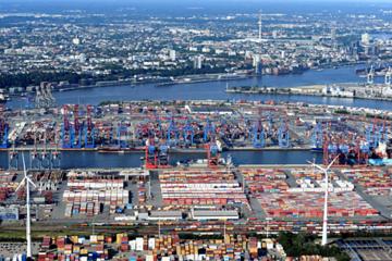 Chiến tranh thương mại phủ bóng lên kinh tế toàn cầu