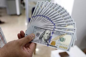 Giá USD lại 'nóng', chạm mốc 23.450 đồng tại Vietcombank