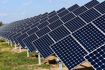 Nhà máy điện mặt trời đột ngột giảm công suất do một... cơn giông