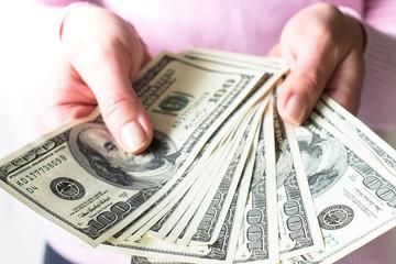 Triệu phú tự thân Mỹ: Đây là cách làm giàu nhiều người trẻ bỏ qua