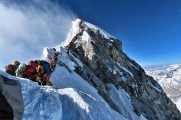 10 người thiệt mạng - tuần lễ chết chóc trên Everest vì 'tắc đường'