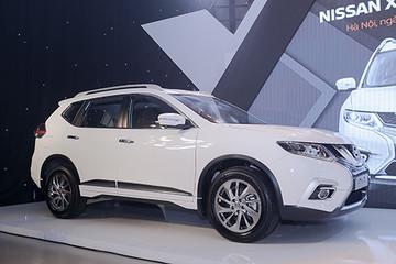 Nissan X-Trail giảm giá mạnh xả hàng tồn tại đại lý