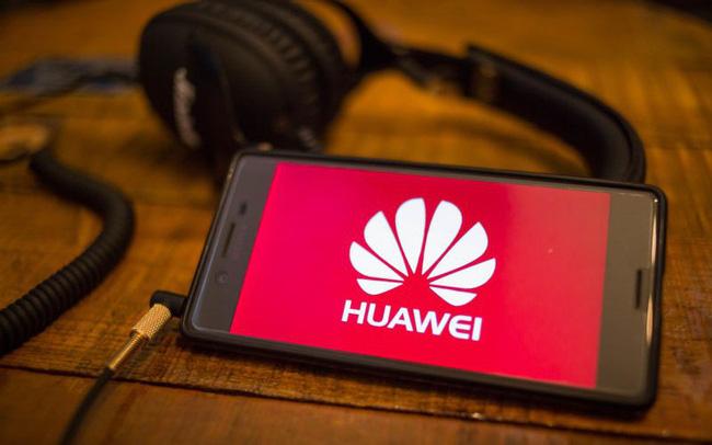 Mỹ cấm vận Huawei tác động ra sao tới Thế giới di động, FPT Retail, Digiworld?