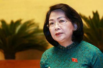 Phó Chủ tịch nước Đặng Thị Ngọc Thịnh trình Quốc hội Công ước 98