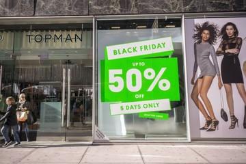 Ngành bán lẻ khắc nghiệt, Tập đoàn thời trang sở hữu Topshop nộp đơn phá sản ở Mỹ
