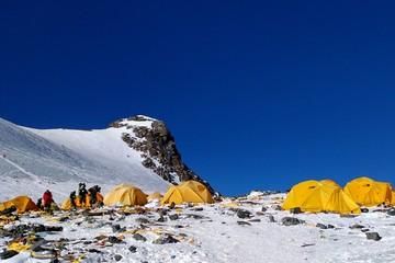 Cần bao nhiêu tiền để chinh phục 'nóc nhà thế giới' Everest?